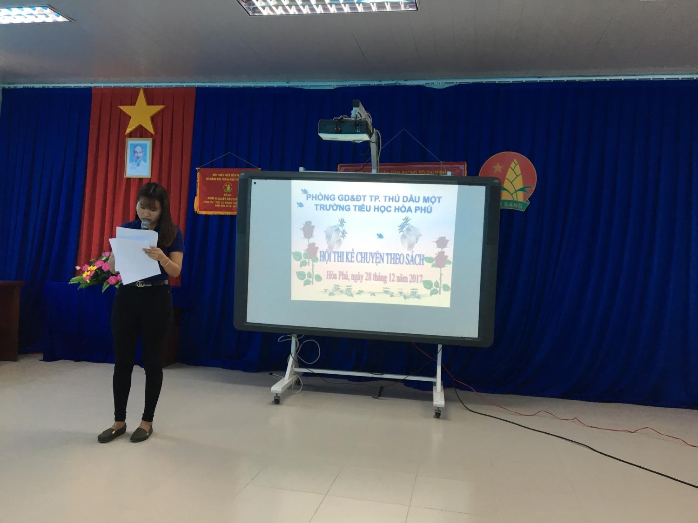 Cô Nguyễn Thị Ngọc Sang- Giáo viên thư viện khai mạc hội thi